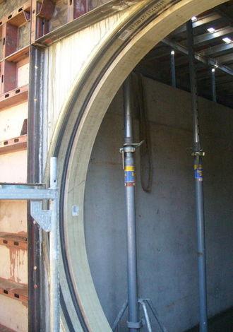 Anschluss 2400'er Rohr an Bauwerk
