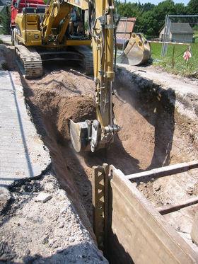 Baugrube verbaut für Pumpenschacht